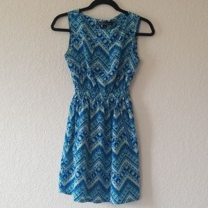 Feathers tribal print dress with pockets Size S
